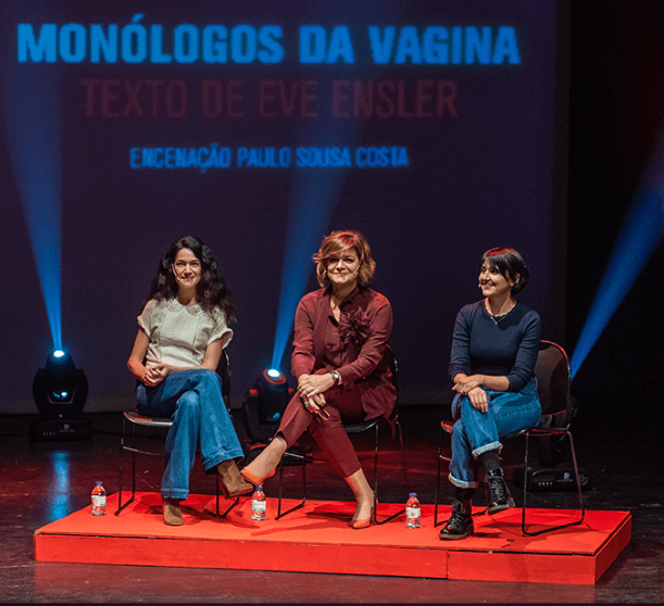 """Júlia Pinheiro, Paula Neves e Joana Pais de Brito em """"Monólogos da Vagina""""."""